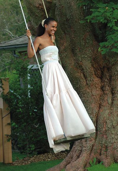 Selebriti Wedding Dresses - Joy Bryant