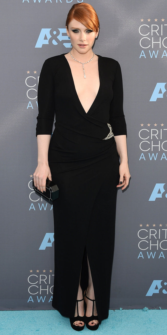 Attrice Bryce Dallas Howard attends the 21st Annual Critics' Choice Awards at Barker Hangar on January 17, 2016 in Santa Monica, California.
