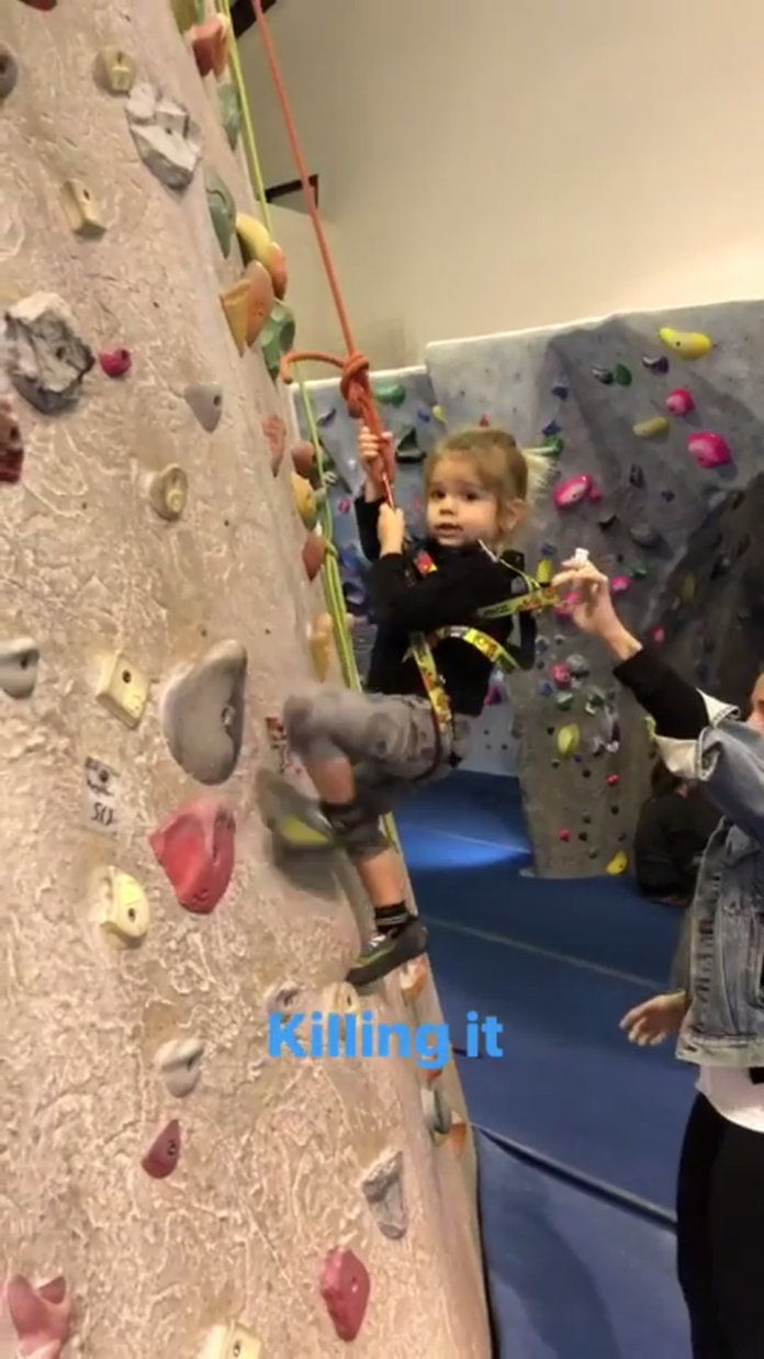 îra Disick Daughter Climbing - Embed