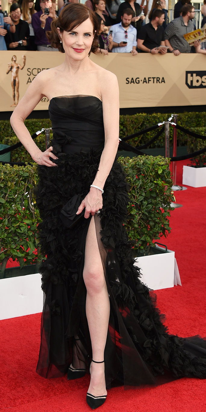 Elizabeth McGovern arrives at the 23rd annual Screen Actors Guild Awards at the Shrine Auditorium & Expo Hall on Sunday, Jan. 29, 2017, in Los Angeles. (Photo by Jordan Strauss/Invision/AP)
