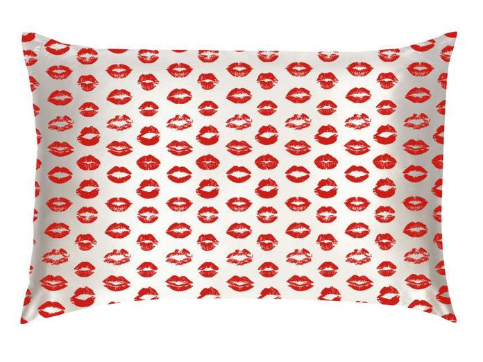 Slipsilk Red Kisses Pure Silk Pillowcase