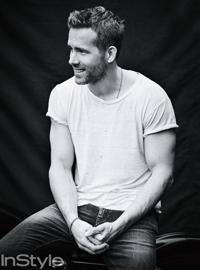 Ryan Reynold's Sexiest Moments - Lead