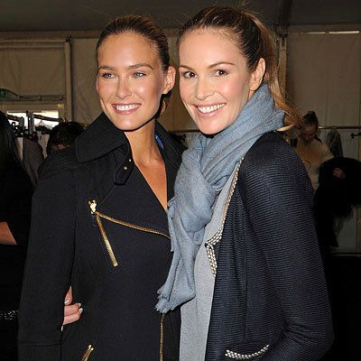 Parigi Fashion Week - Bar Refaeli and Elle MacPherson - Louis Vuitton