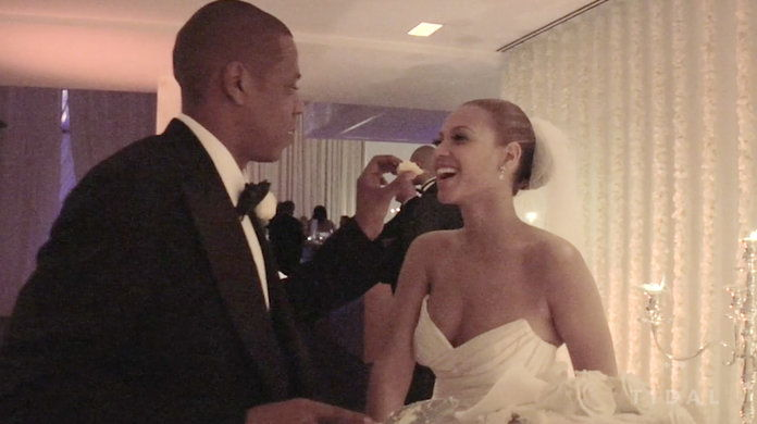 Anda haven't LIVED until you've seen Jay feed Bey wedding cake.