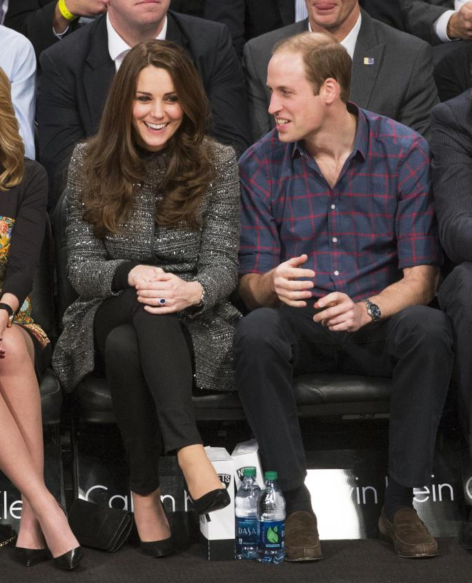 Británia's Prince William and his wife Catherine (Kate) attend the Barclays Center in Brooklyn New York as they watch the Brooklyn Nets play the Cleveland Cavaliers.