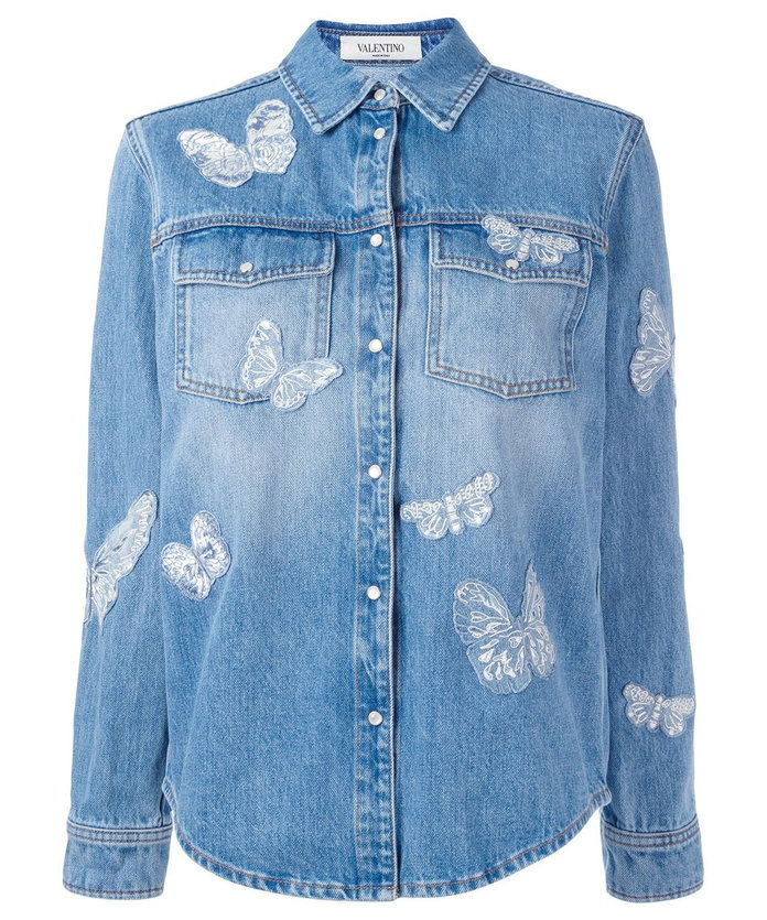 Il denim jacket is a must.