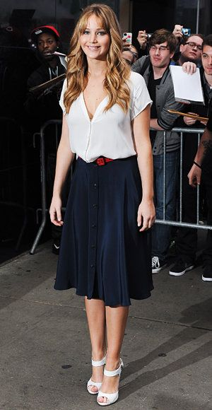 Elegante Summer Work Looks - Jennifer Lawrence - Holmes & Yang - Joie