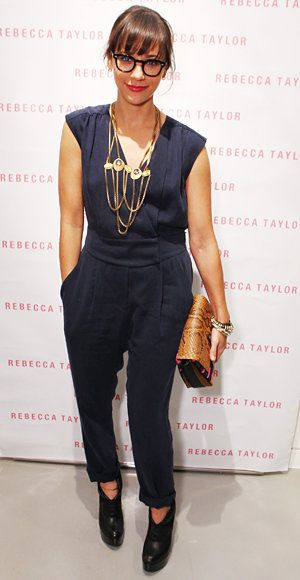 Elegante Summer Work Looks - Rashida Jones - Rebecca Taylor