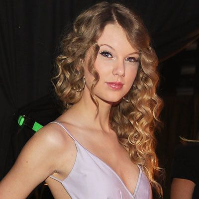 Taylor Swift-prom hair-prom hairstyles
