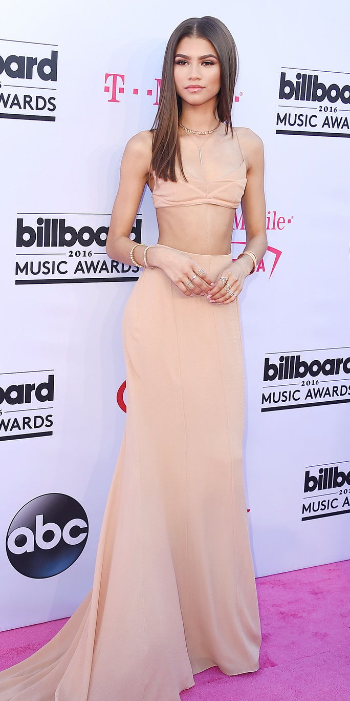 Pelakon/recording artist Zendaya attends the 2016 Billboard Music Awards at T-Mobile Arena on May 22, 2016 in Las Vegas, Nevada.