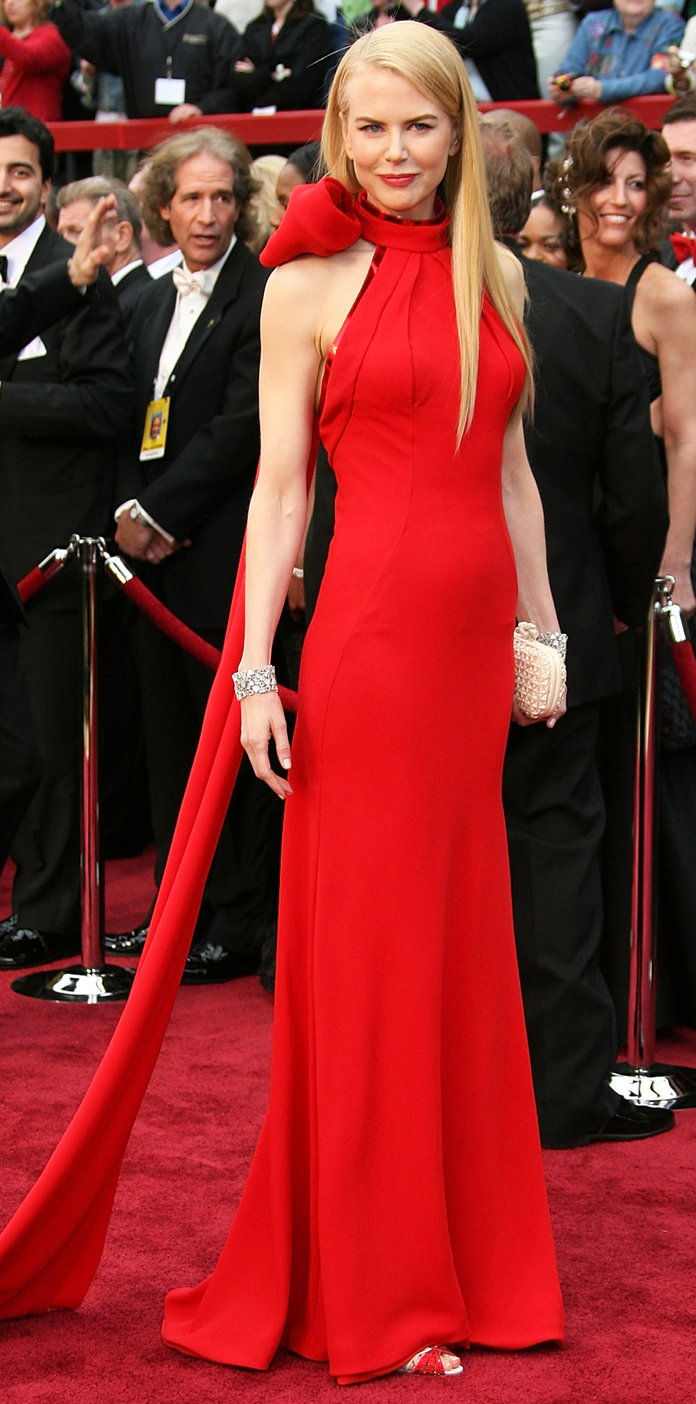 v Balenciaga by Nicolas Ghesquière at the Oscars (2007)