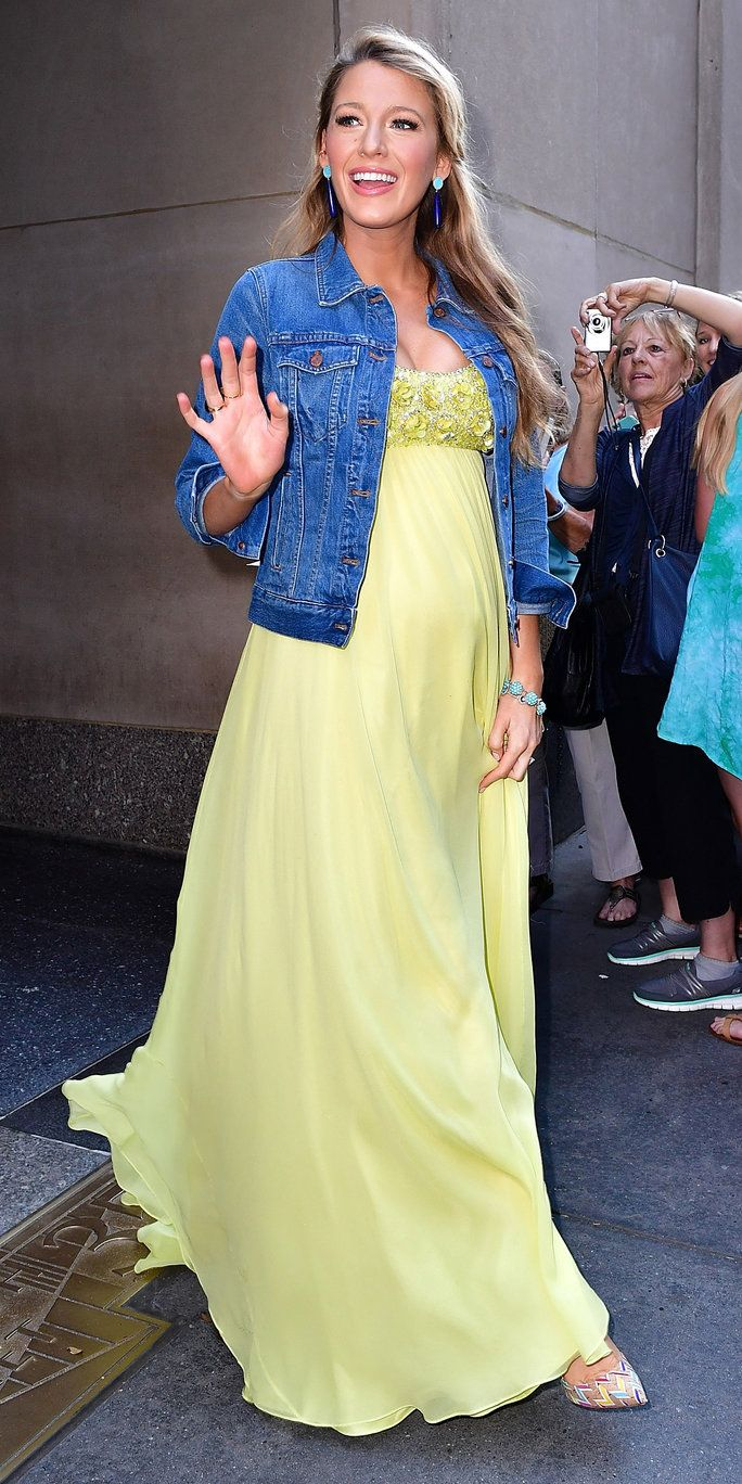 NUOVO YORK, NY - JUNE 20: Blake Lively leaves NBC's