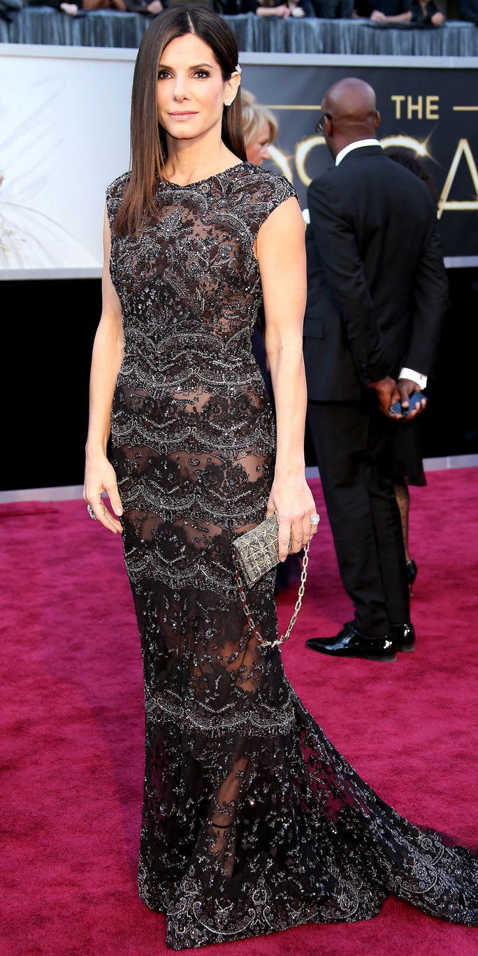 Sandra Bullock arrives at the 85th Annual Academy Awards at Hollywood & Highland Center on February 24, 2013 in Hollywood, California.