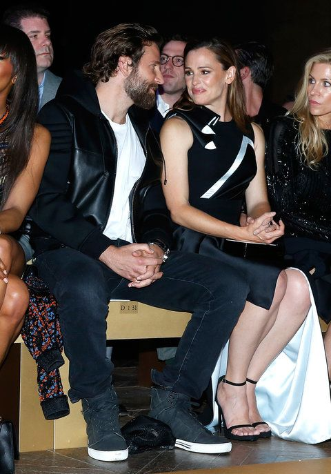 Jennifer Garner and Bradley Cooper at Versace - Embed