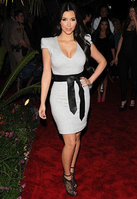 Kim Kardashian's Tips for Dressing a Curvy Body - Accentuate Your Waist