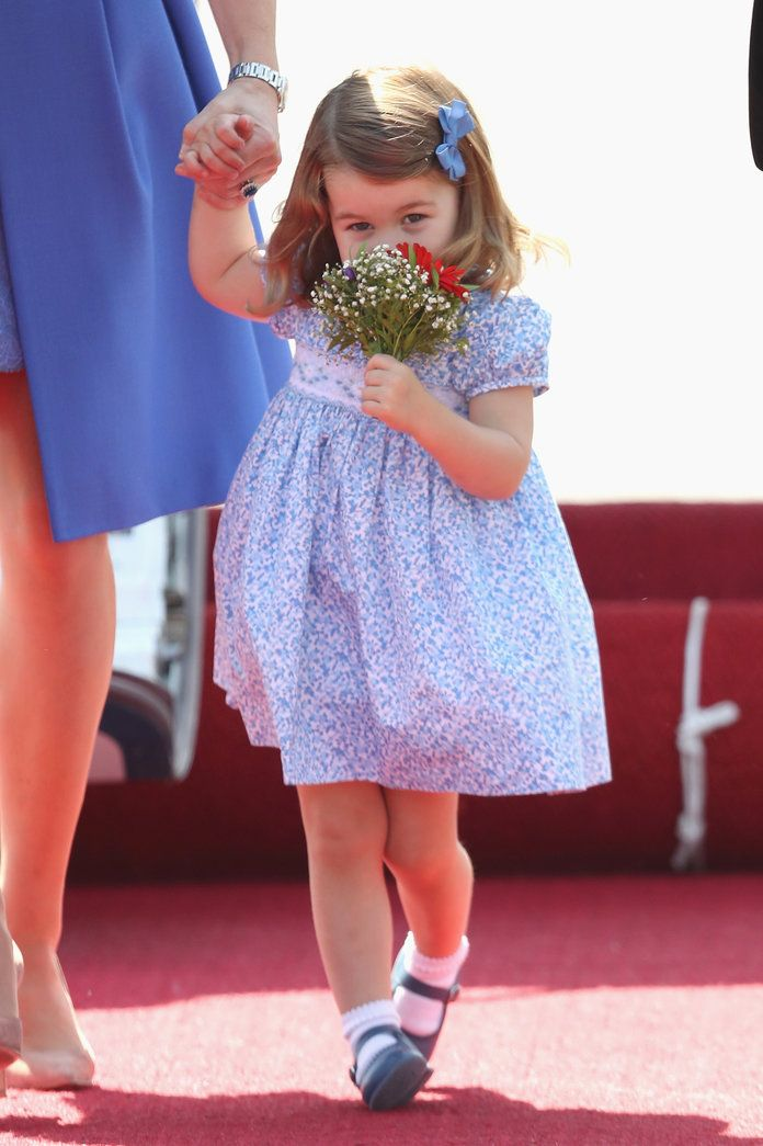 charlotte Receives a Bouquet