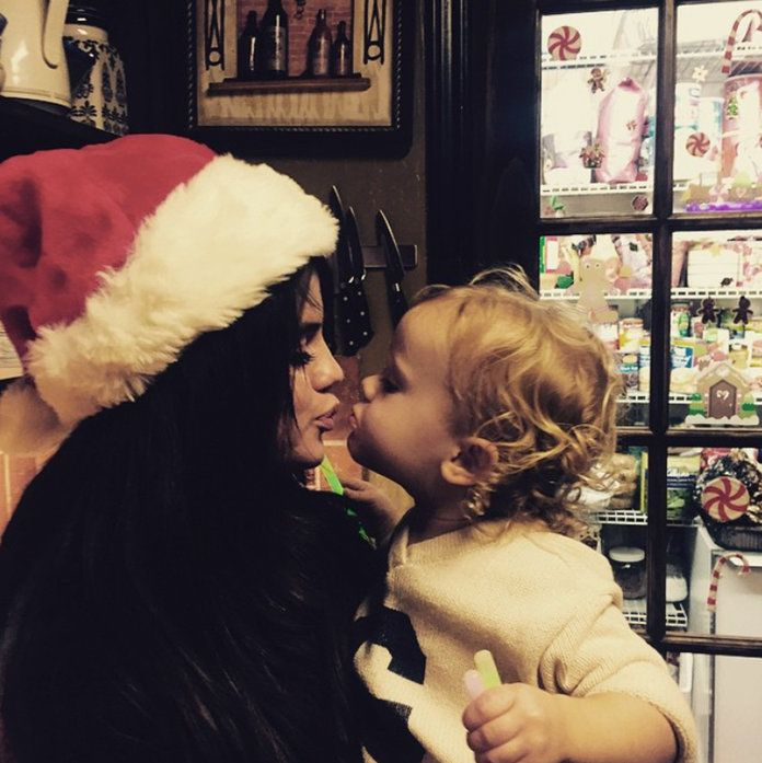 Krismas kisses with Gracie and Selena