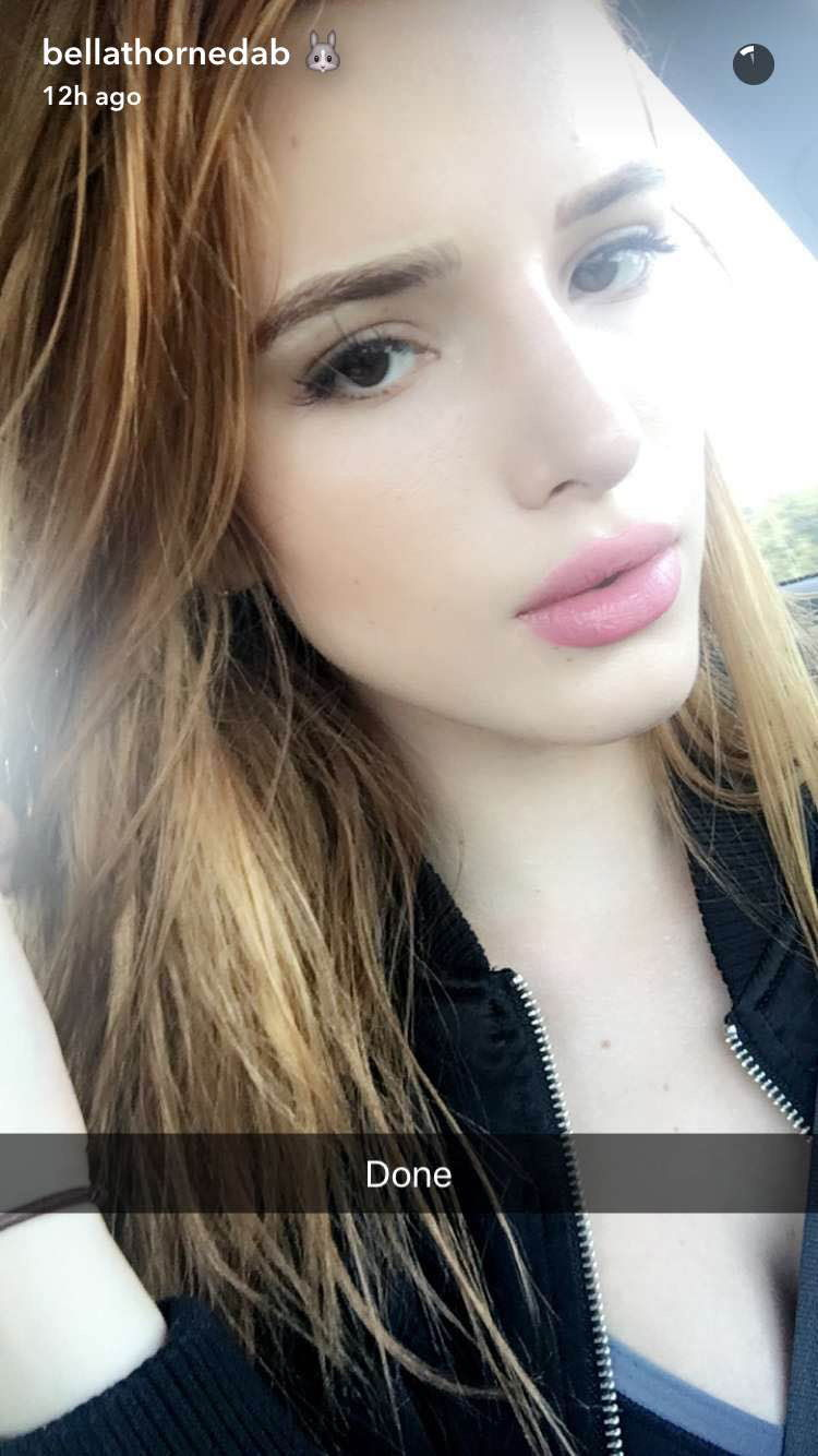 bella Thorne Eyebrow - 1