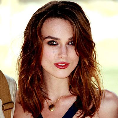Keira Knightley, waves, hair, beauty, curling iron, beauty, make up, daily beauty flash