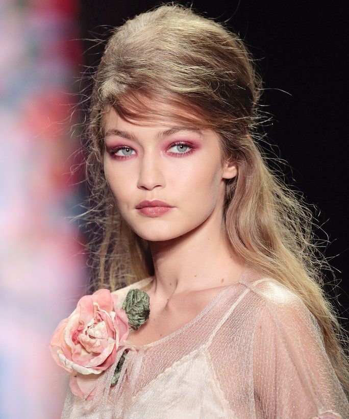 Merah/Pink Eye Makeup Trend - LEAD