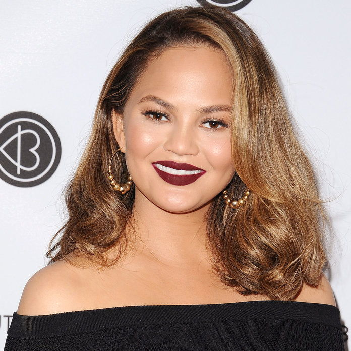 Chrissy Teigen's Dark Roots & Light Ends