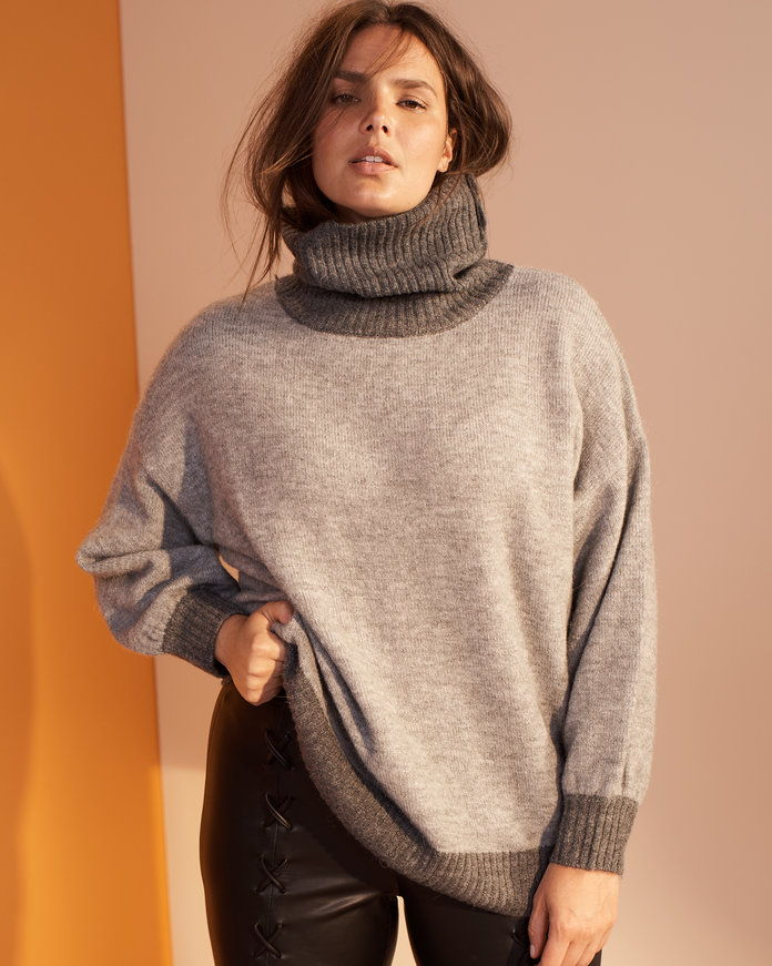 THE SLOUCHY TURTLENECK SWEATER
