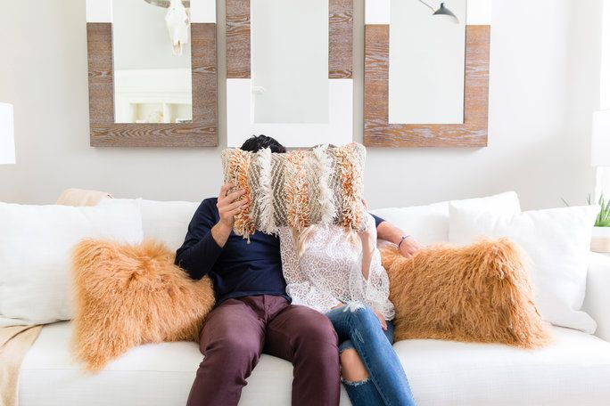 bakalár Ben Higgins & Lauren Bushnell Home Tour - Couch