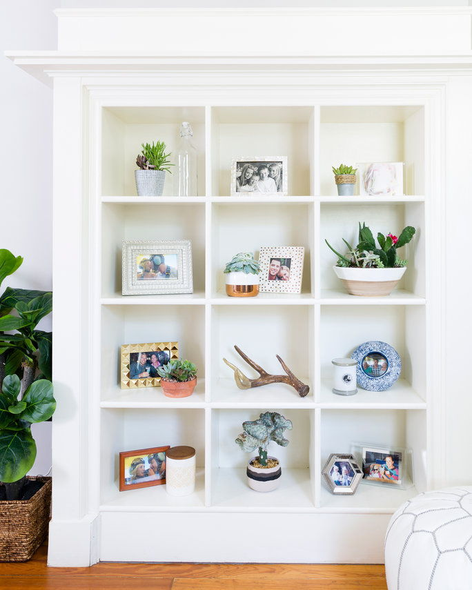 bakalár Ben Higgins & Lauren Bushnell Home Tour Bookshelf