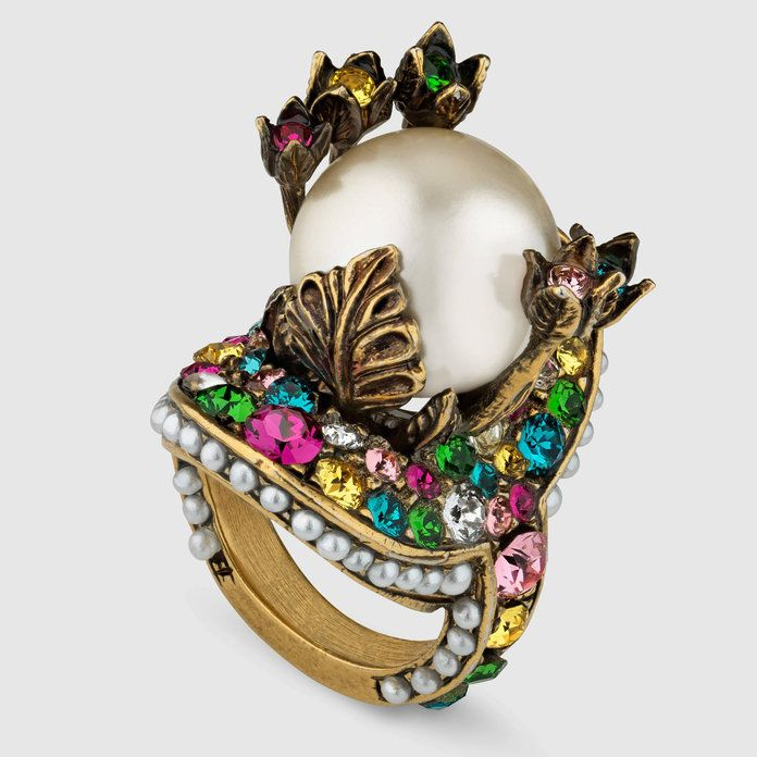 gucci Flower ring with resin pearl