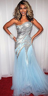 Tutup Exclusives, Beyonce's Greatest Red-Carpet Looks, 2008 Grammy Awards