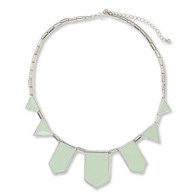 2B by Bebe necklace