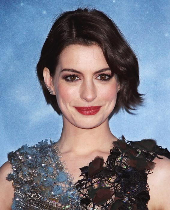 anne Hathaway - Transformation