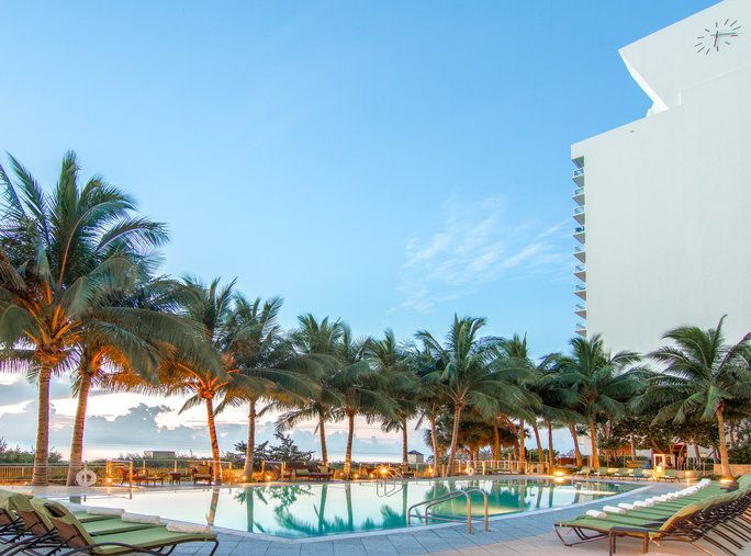 Perjalanan Deals - Carillon Miami Beach