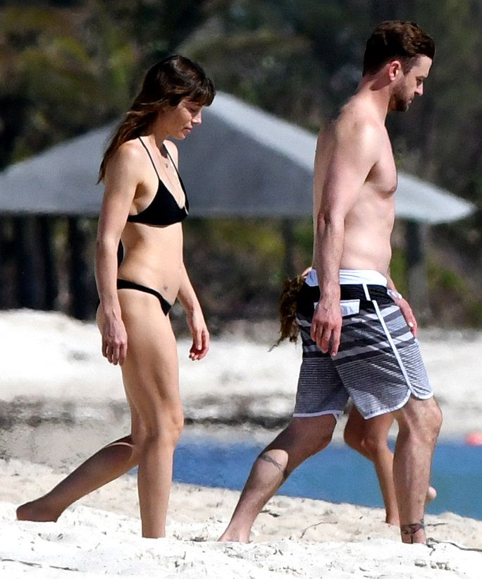EXCLUSIVE - November 9, 2016: Justin Timberlake and Jessica Biel take a dip together in the ocean while enjoying a beach vacation in the Caribbean. Jessica's bikini body is seen for the first time since giving birth to her son Silas. Mandatory Credit: I
