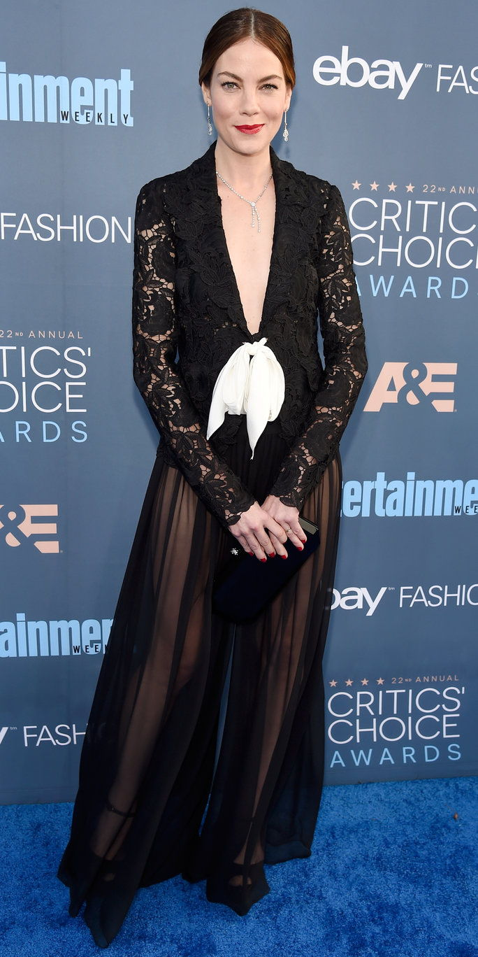 herečka Michelle Monaghan attends The 22nd Annual Critics' Choice Awards at Barker Hangar on December 11, 2016 in Santa Monica, California.
