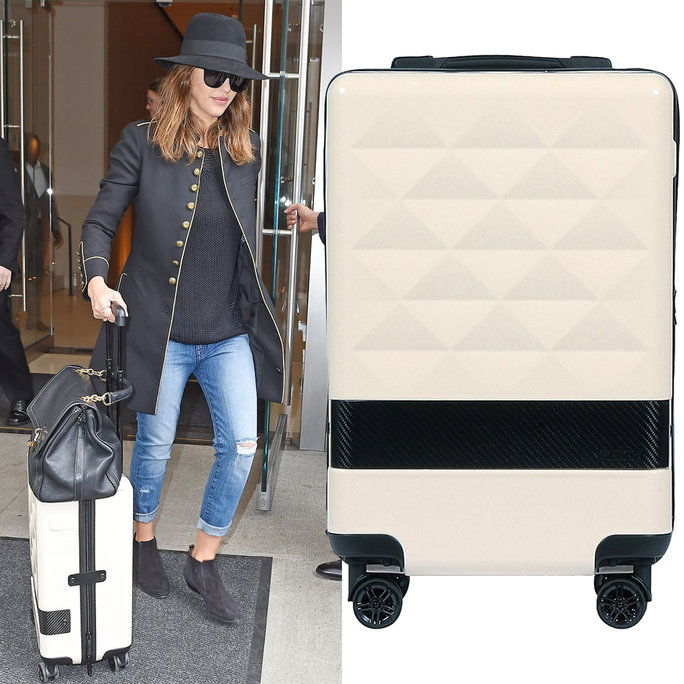 Jessica Alba with LOMS luggage