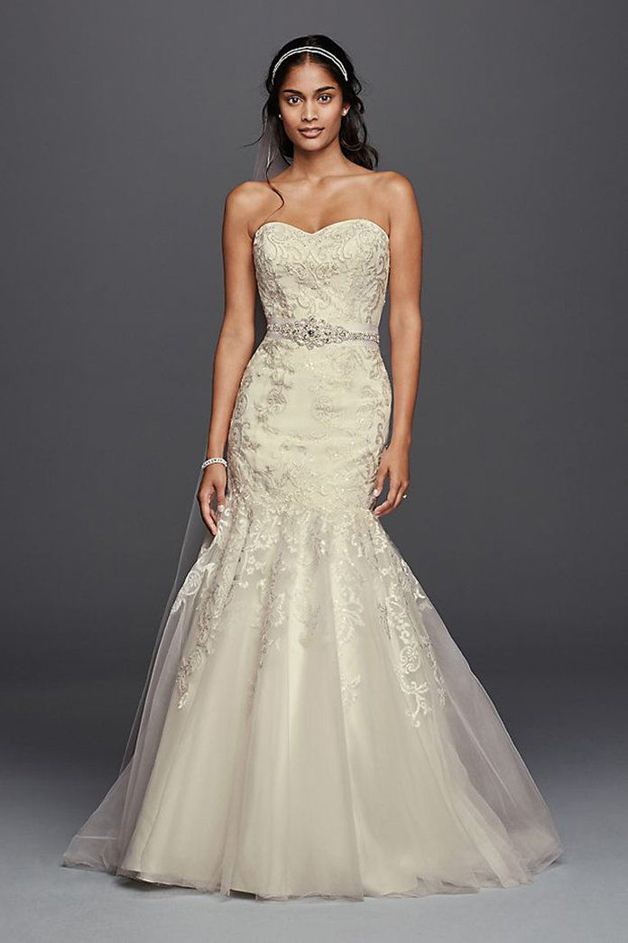 klenot Lace Wedding Dress with Sweetheart Neckline